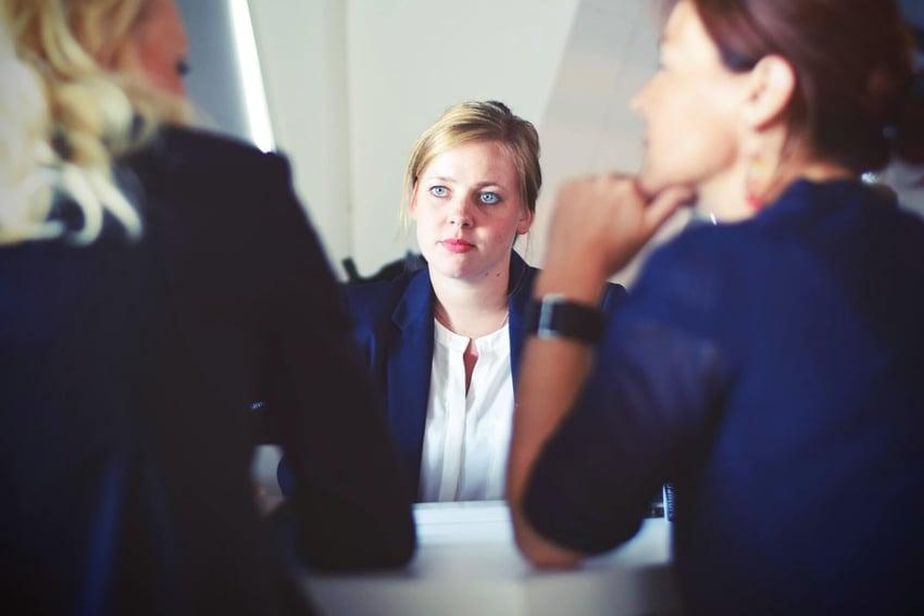 businesswomen-businesswoman-interview-meeting