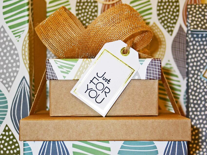 gift-bow-box-card