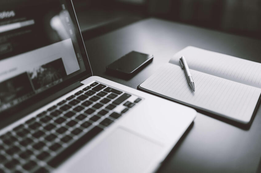 iphone-notebook-pen-working