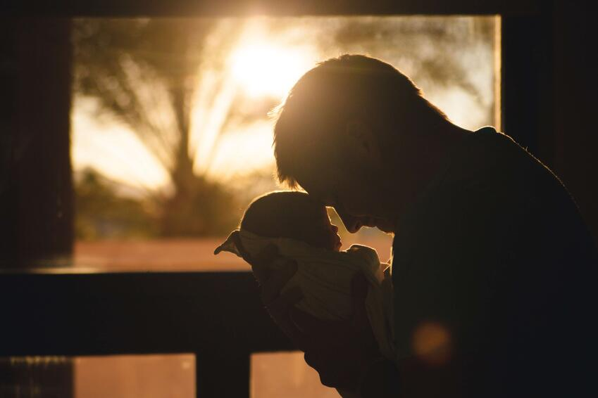 sunset-person-love-newborn